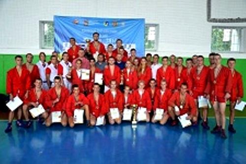 Юные харьковские самбисты завоевали 18 медалей на Кубке Украины