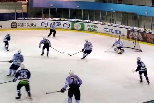 Харьковское «Динамо» с большим трудом одолело «Ледяных Волков»
