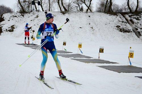 Вадим Болдесов и Антон Чернобай стали победителями Всеукраинских соревнований по биатлону