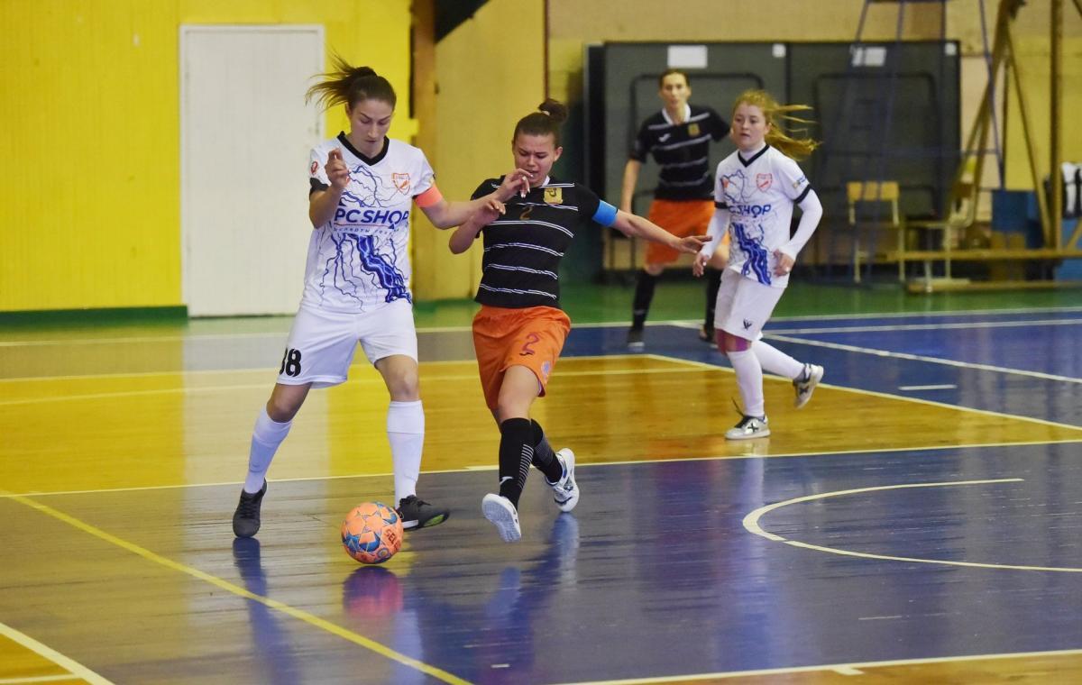 В первом полуфинале женского Кубка Украины по футзалу харьковская «TESLA» сыграла вничью