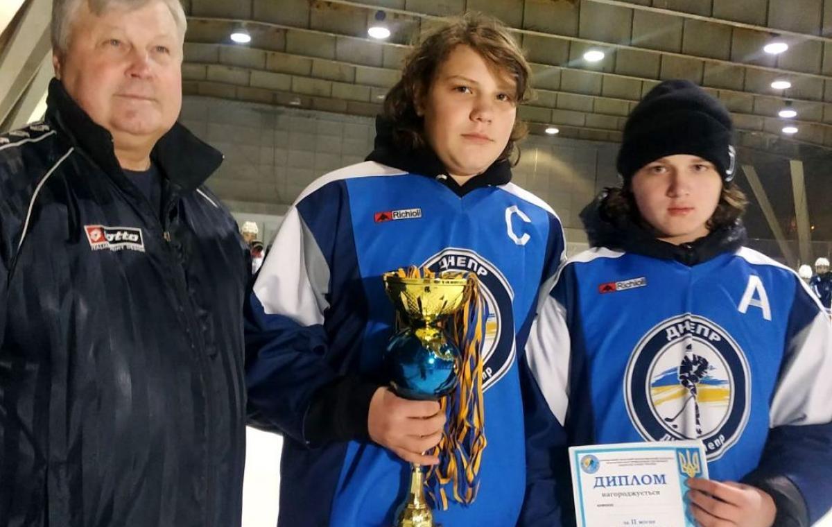 Юные харьковские хоккеисты победили в домашнем Рождественском турнире