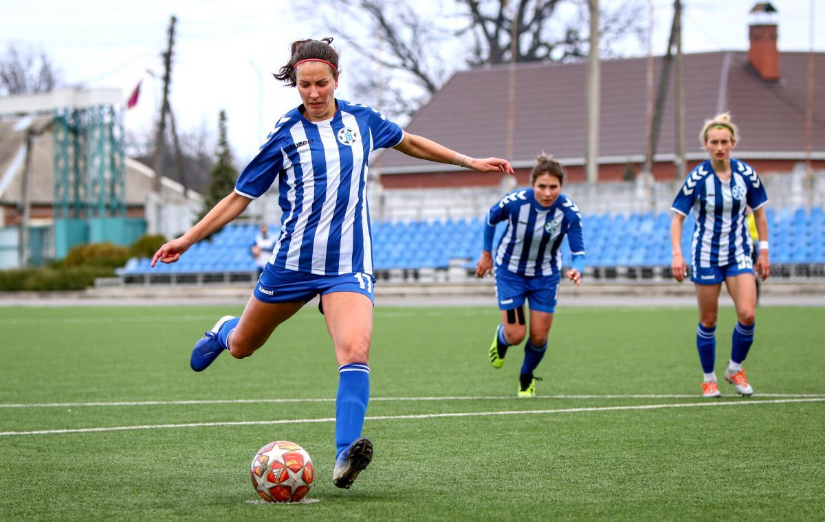 Две харьковские женские футбольные команды вышли в полуфинал Кубка Украины