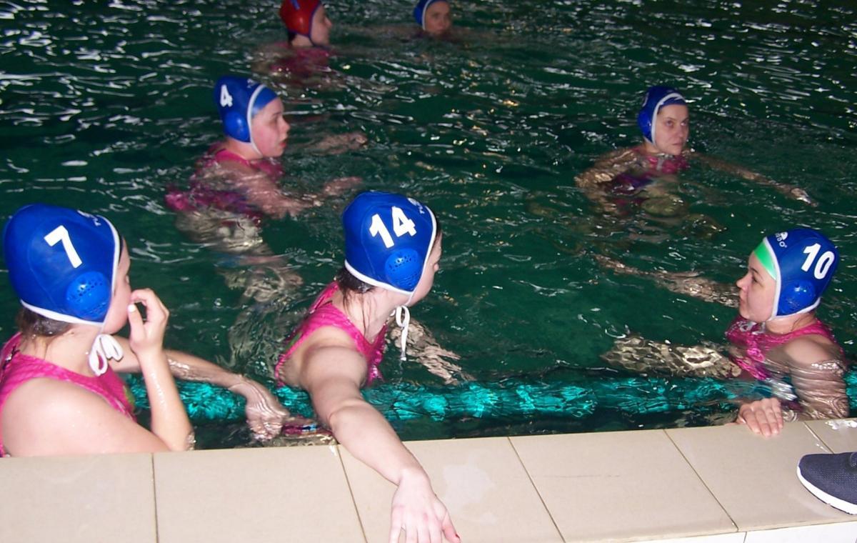 Женская сборная Харьковской области по водному поло лидирует в чемпионате Украины