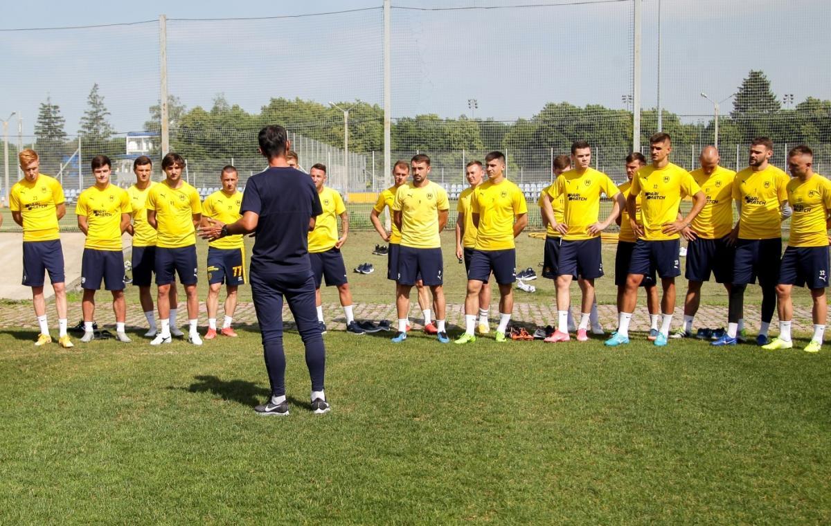 Футболисты «Металлиста 1925» вышли из отпуска и начали подготовку к новому сезону