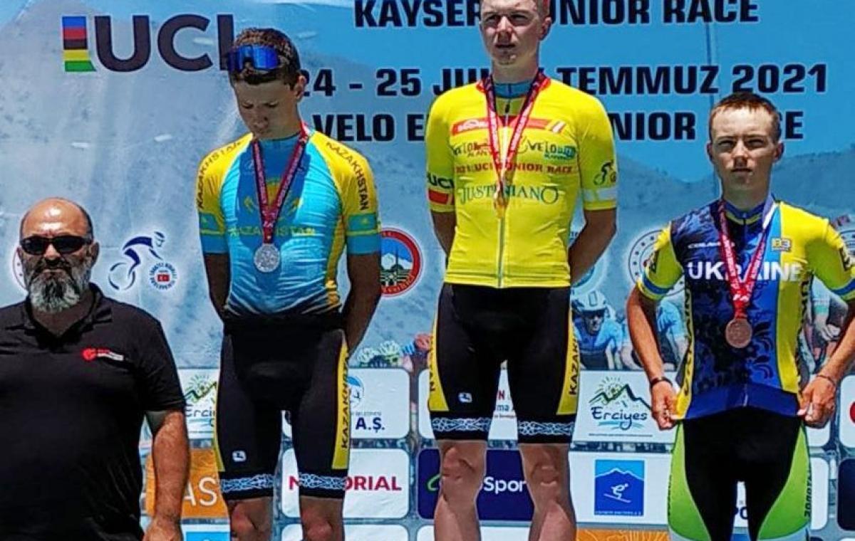 Харьковчанин Валентин Кабашный завоевал бронзу на велогонке в Турции