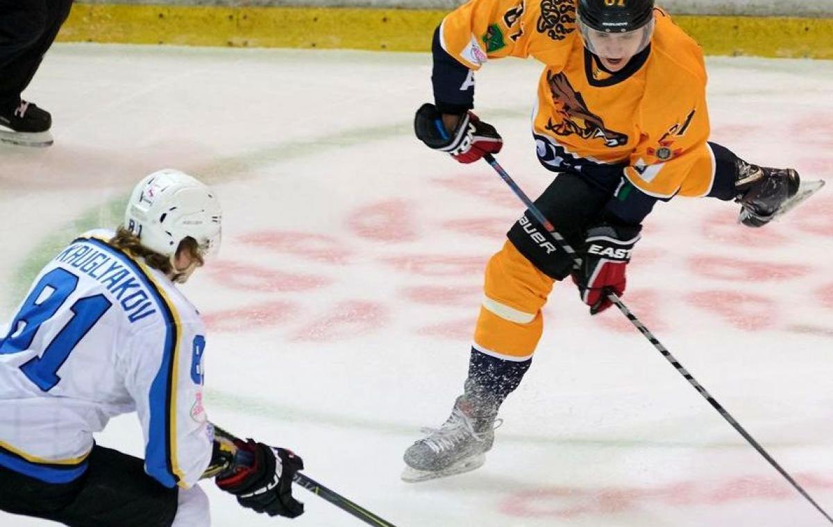 Первая домашняя победа харьковских хоккеистов в новом сезоне