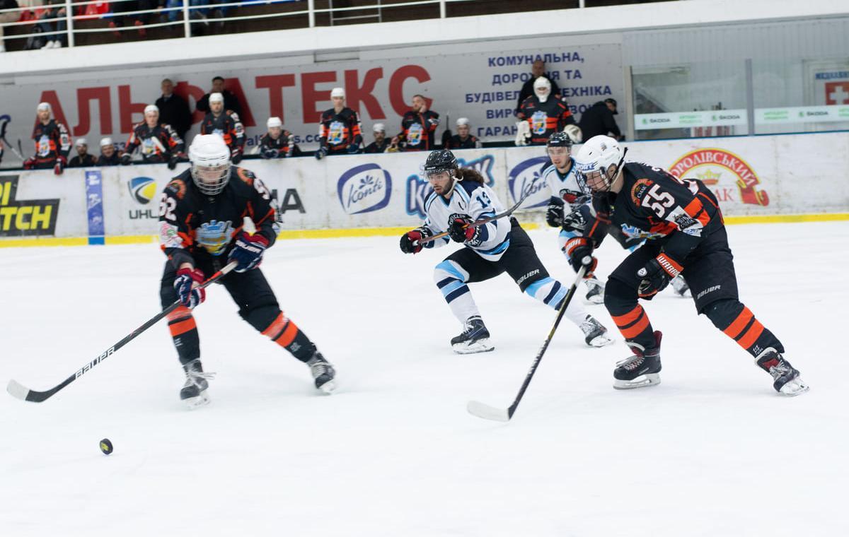 Первая победа харьковских хоккеистов в Молодежной хоккейной лиге Украины